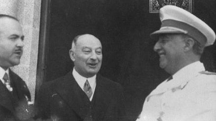 El alcalde de A Coruña Alfonso Molina con Pedro Barrié de la Maza y Franco. FOTO: GALICIA UNICA.