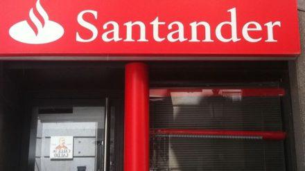 Una sucursal del Banco Santander en Puerto Rico.