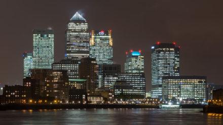Complejo de negocios de Canary Wharf, Londres. Foto: Diliff.