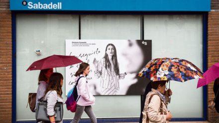 Sucursal del Banco Sabadell. Foto: Álvaro Minguito.