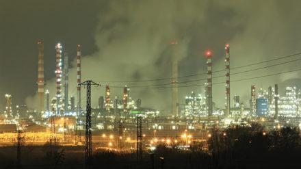 Refinería de Repsol en Tarragona. Foto: Pablo Saludes Rodil / CC BY-NC 2.0