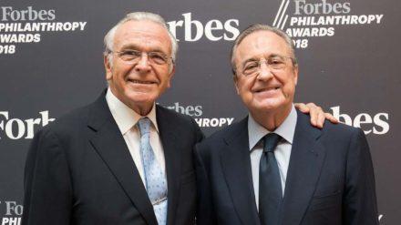 Isidro Fainé, presidente de la Fundación 'la Caixa', con Florentino Pérez, presidente de ACS, en la entrega de los Premios a la Filantropía de Forbes. Foto: La Caixa.