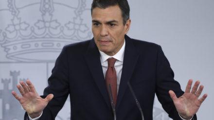 Pedro Sánchez durante una rueda de prensa en Moncloa. Foto: Reuters / Susana Vera.